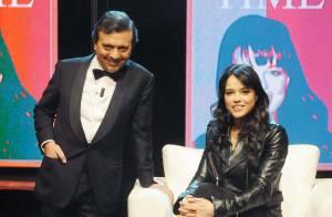 Quand la belle Michelle Rodriguez se fait... sauter dessus en plein direct !
