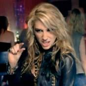 Kesha milite contre les rappeurs machos... Regardez le clip de son tubissime Blah Blah Blah !