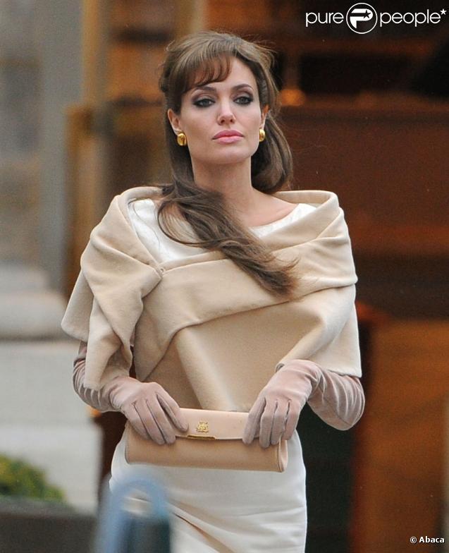 Angelina Jolie sur le tournage de The Tourist à Paris le 24 février 2010