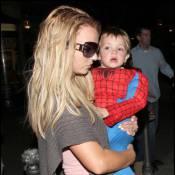 Britney Spears et ses deux amours de gamins... en mode spider-man ! !