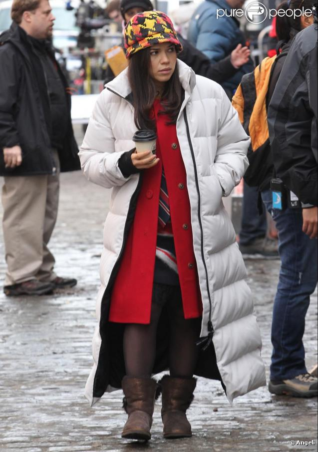 America Ferrera sur le tournage d'Ugly Betty à New York le 2 mars 2010