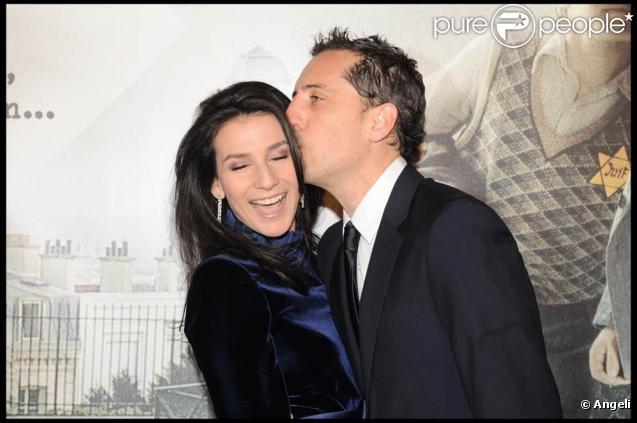 Marie Drucker et Gad Elmaleh, lors de l'avant-première de  La Rafle , qui s'est tenue au Gaumont Champs-Elysées, à Paris, le 8 mars 2010.