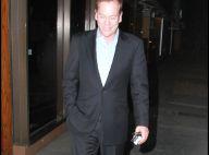 """Kiefer Sutherland réapparaît après son opération : convalescence + arrêt de """"24"""" = petite mine, Jack !"""