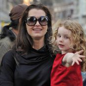 Brooke Shields : Avec sa fille dans les bras... elle oublie tous ses tracas !