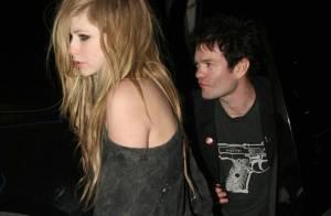 Avril Lavigne : A quoi joue-t-elle avec son ex-mari ?
