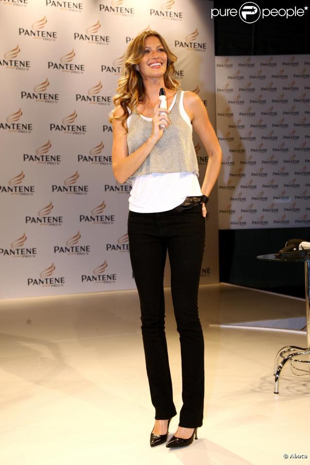 Gisele Bündchen au Brésil pour la marque Pantène. Le 23 mars 2010