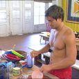 Mickaël à la vaisselle : mais qu'est-ce qui lui prend ?