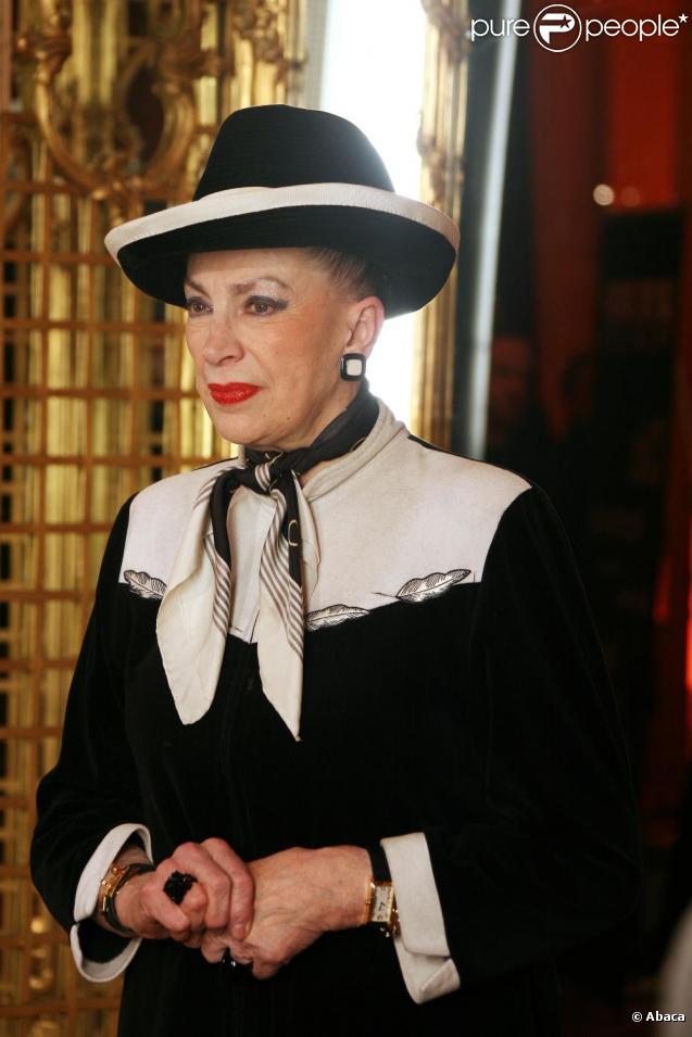 Geneviève de Fontenay a présenté sa lettre de démission à Endemol, et prévoit de monter un nouveau concours de beauté indépendant.