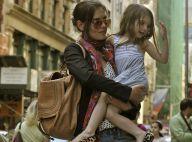Suri Cruise : Elle improvise un numéro de danse en pleine rue et fait travailler sa maman Katie Holmes comme une folle !