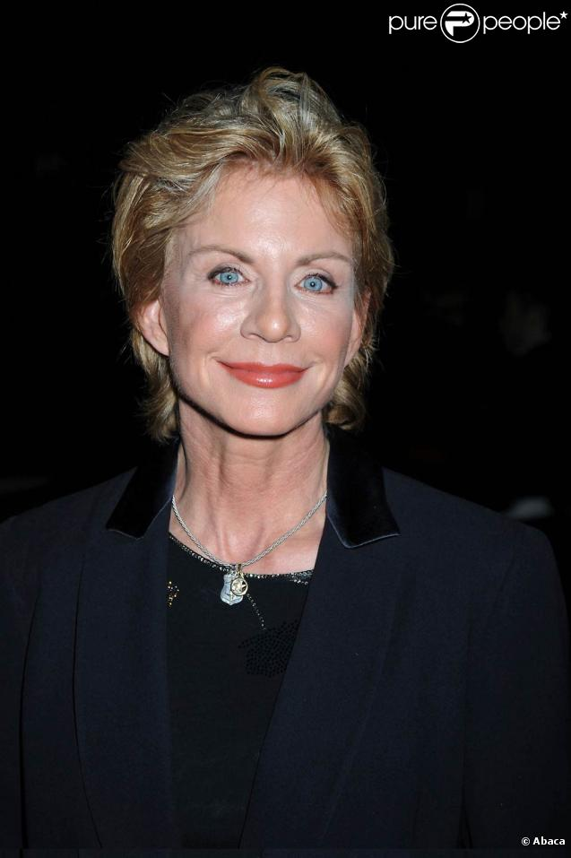 an analysis of the novel post mortem by patricia cornwell Inside patricia's life patricia cornwell has sold over 100 million books she sold her first novel, postmortem, while working as a computer analyst at the office of the chief medical examiner in richmond, virginia.