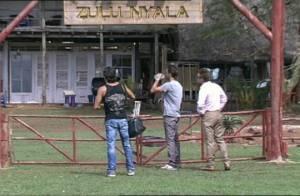 La Ferme Célébrités en Afrique : Un dernier petit clash en route... et Mickaël, David et Greg font leurs adieux à Zulu Nyala !