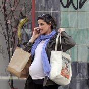 Amanda Peet fait son shopping malgré son énorme ventre... Grossesse tranquille !
