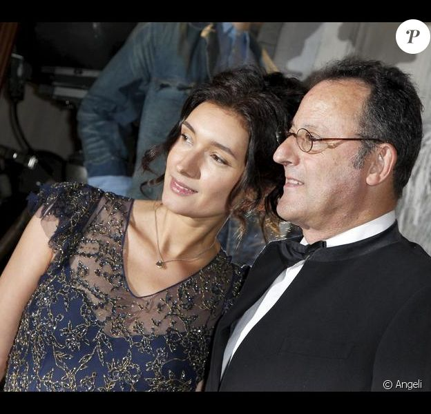 Jean Reno et son épouse Zofia à la soirée d'inauguration du nouvel espace Ralph Lauren à Paris, le 14 avril 2010