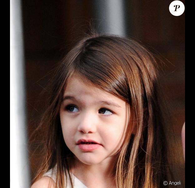 """Suri Cruise sur le tournage du film de sa mère """"Son of no one"""" (9 vril 2010/ New York)"""