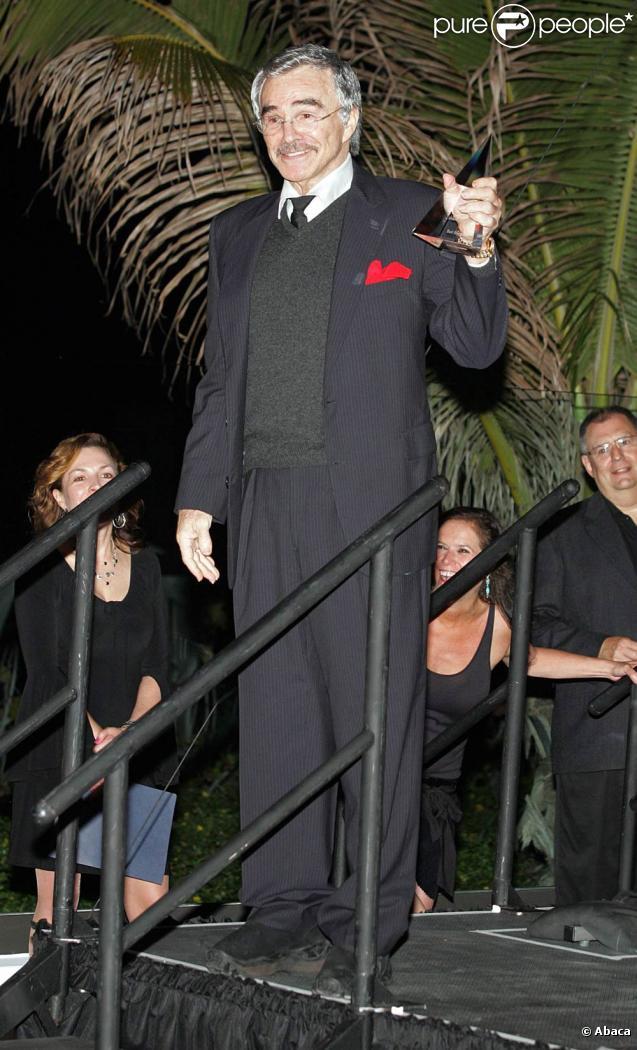Burt Reynolds recevait le 23 avril 2010 un prix récompensant l'ensemble de sa carrière au festival de Palm Beach