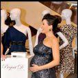 Dannii Minogue, enceinte de six mois, lors du lancement de sa nouvelle ligne de vêtements à Selfridges à Londres le 27 avril 2010