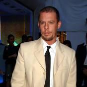 Alexander McQueen : Le rapport est formel, le créateur était drogué lorsqu'il s'est pendu !