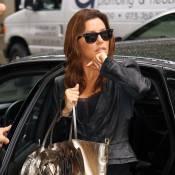 Eva Longoria : Quand elle voyage... elle se moque de son look, la preuve !
