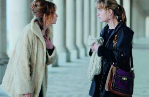 Regardez Isabelle Huppert, totalement déjantée, qui fait honte... à sa propre fille !