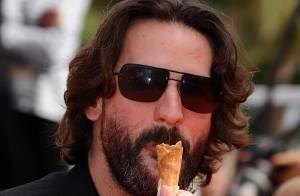 Cannes 2010 - Frédéric Beigbeder joue les gourmands coquins devant l'impressionnante Glenn Close !