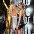 Tapis rouge de la cérémonie des World Music Awards à Monaco le 18 mai 2010 : Victoria Silvstedt et Karolina Kurkova !