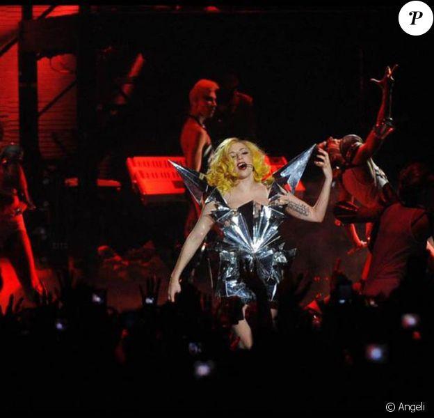 La talentueuse Lady Gaga lors de son concert parisien au Palais Omnisports de Bercy, le 21 mai 2010