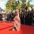 Mille Jovovich lors de la montée des marches du film  Utomlyonnye Solntsem 2,  à l'occasion du 63ème Festival de Cannes, le 22 mai 2010