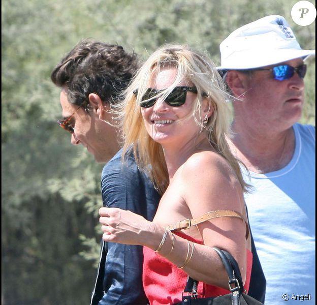 Kate Moss et Jamie Hince cet été à Saint-Tropez...