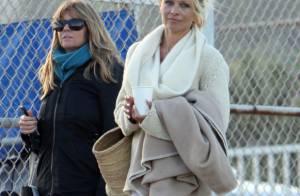 Pamela Anderson : Pour ses fils, elle oublie tout, maquillage et style vestimentaire y compris !