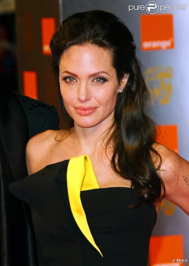Angelina Jolie fê...