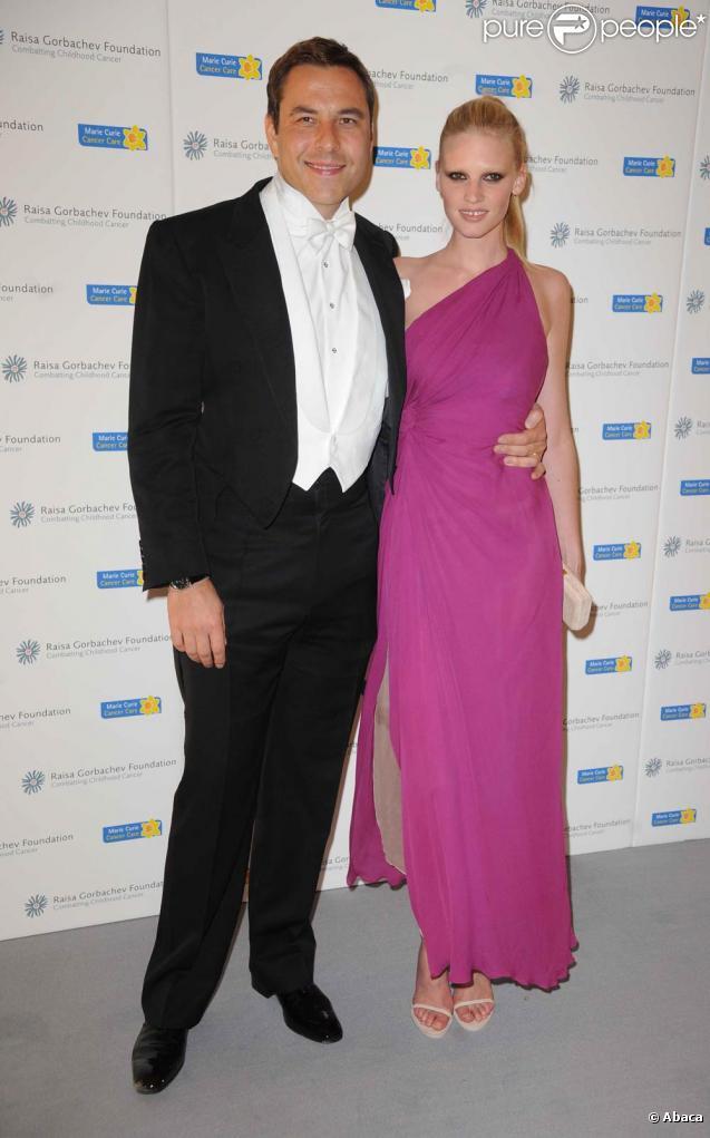 David Walliams et Lara Stone, à l'occasion du dîner de gala de la Raisa Gorbachev Foundation, au Stud House d'Hampton Court Palace, en Angleterre, le 5 juin 2010.