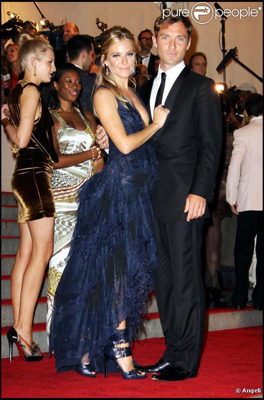 Jude Law et Sienna Miller amoureux