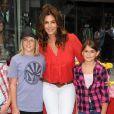 Cindy Crawford et ses enfants lors d'un événement de charité à Los Angeles. Le 12 juin 2010