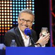 Laurent Ruquier anime  On n'est pas couché  chaque samedi soir sur France 2, en seconde partie de soirée.