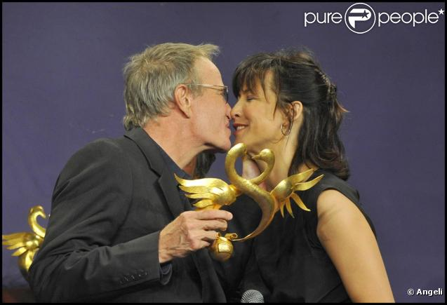 Christophe Lambert et Sophie Marceau amoureux comme jamais au Festival du film romantique de Cabourg le 12 juin 2010.