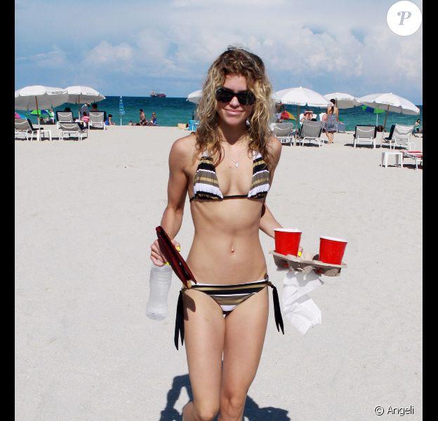 AnnaLynne McCord à Miami. 20/06/2010