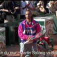 Pour  Hello , premier single extrait de son album  Smash  à paraître en 2011, Martin Solveig a défié Bob Sinclar au tennis, aidé par Djokovic, pendant que Gaël Monfils lui volait sa belle brunette...