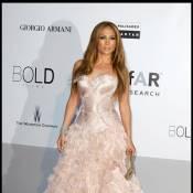 Jennifer Lopez : Elle est simplement inséparable de ses amours... Même au travail !