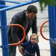 Jennifer Garner et Ben Affleck ont emmené leurs filles Violet et Seraphina au parc, le 31 juillet 2010