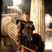 """Découvrez Sam Worthington, Liam Neeson et Gemma Arterton dans la fin alternative du """"Choc des Titans"""" !"""