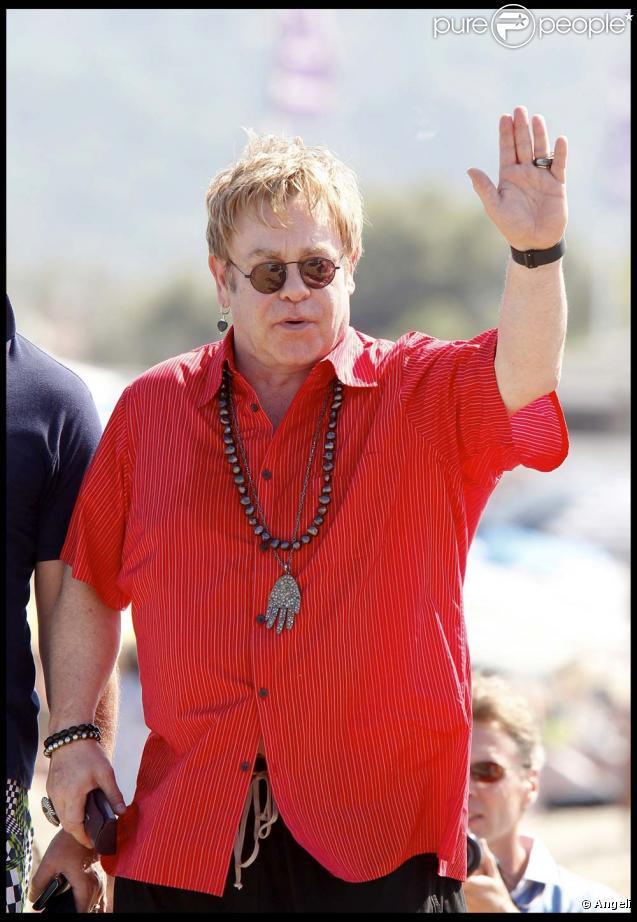 Elton John et David Furnish à Saint-Tropez, le 11 août 2010