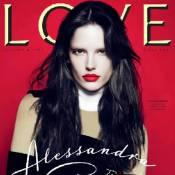 Alessandra Ambrosio, mystérieuse et sensuelle, vous offre son amour...