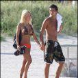 Shauna Sand accompagnée de l'une de ses filles et de son dernier toyboy en date à Miami le 16 août 2010