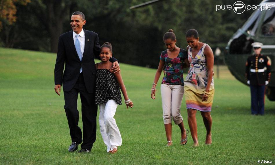 Barack obama sa femme michelle et leurs filles malia et for Barack obama a la maison blanche