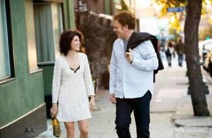 Regardez John C. Reilly tomber amoureux de la belle Marisa Tomei... malgré le boulet Jonah Hill !