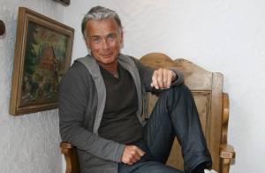 Franck Dubosc se livre sur son bébé, sa femme et son père : confessions d'un homme serein !
