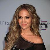 Jennifer Lopez, Rebecca Romijn et Kristen Bell très en beauté pour Tommy Hilfiger !