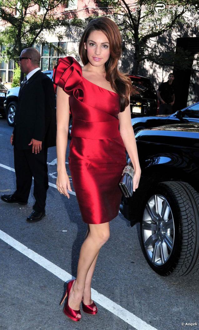 La belle Kelly Brook à l'occasion de la soirée Marchesa, dans le cadre de la Mercedes Benz Fashion Week de New York, le 15 septembre 2010.