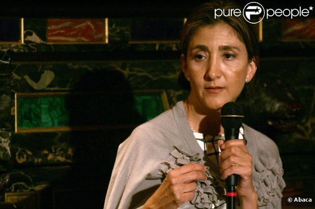Ingrid Betancourt dédicace son livre Même le silence a une fin le 27 septembre 2010 à New York