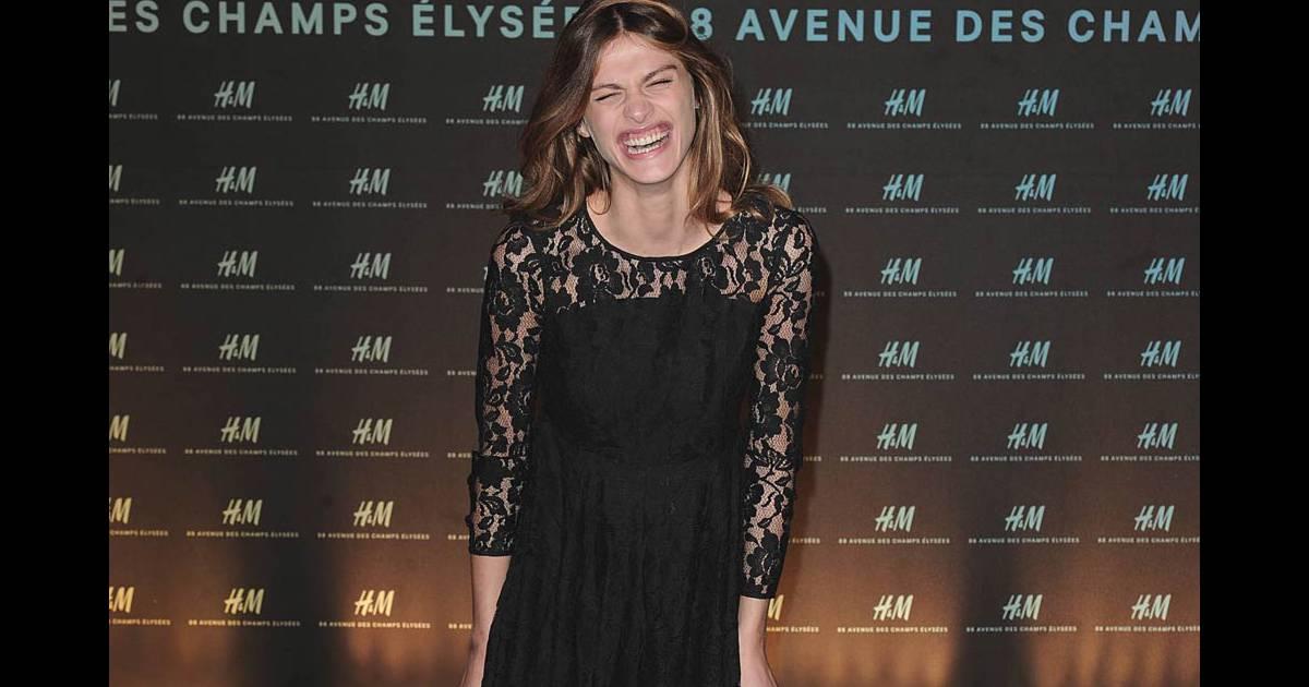 Elisa sednaoui l 39 occasion de l 39 ouverture de la nouvelle boutique pa - H m avenue des champs elysees ...